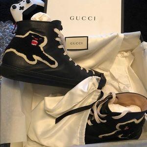 Gucci hi top panther sneaker